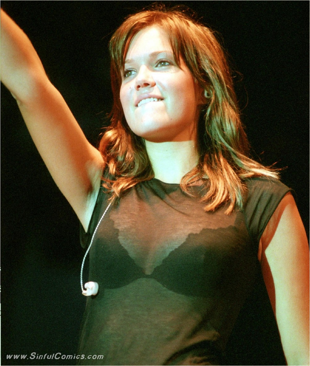 Mandy Moore sexy images